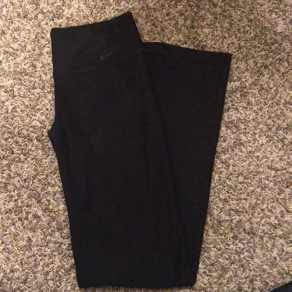 Nike Womens Bootcut Black Yoga Pants